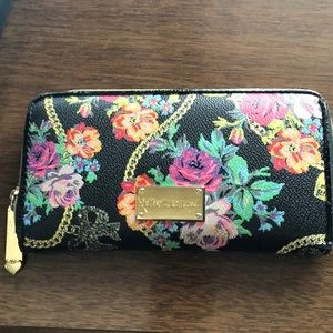 Floral wallet Betsey Johnson